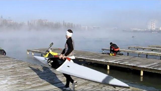 Байдарочники и каноисты приостановили тренировки на воде из за морозов в Краснодаре