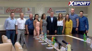 НОК Украины наградил призеров чемпионата Европы по гребле на байдарках и каноэ